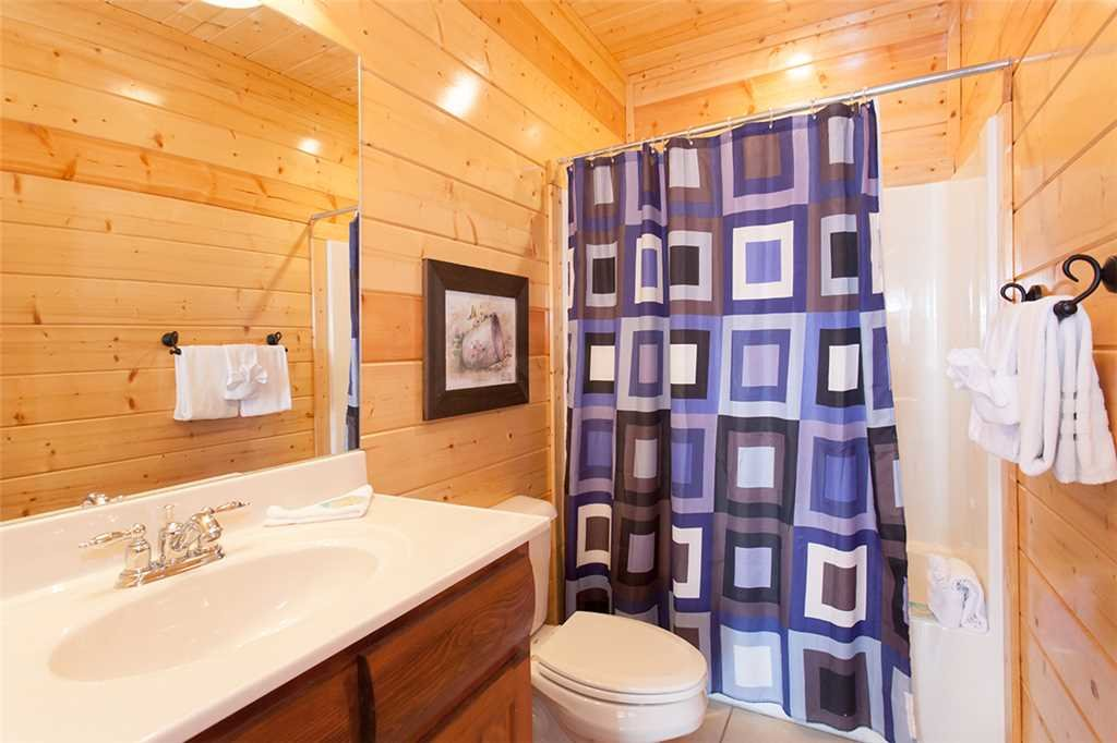 Photo of a Sevierville Cabin named Morning View Manor - This is the seventy-eighth photo in the set.