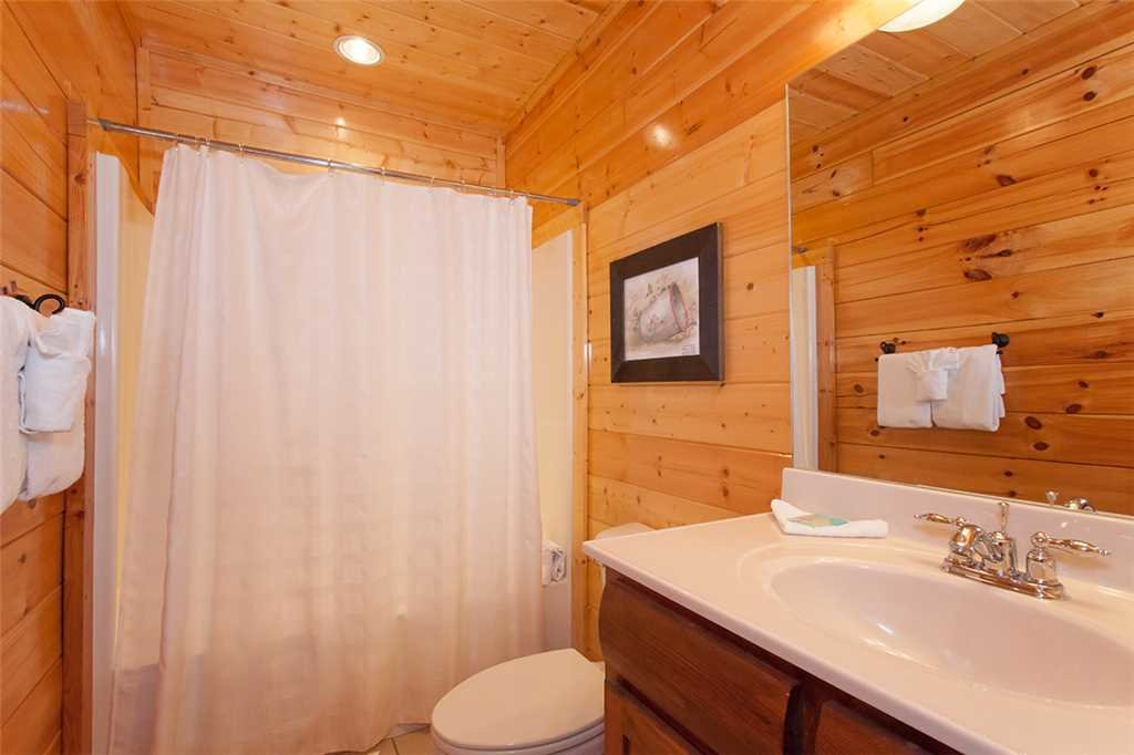 Photo of a Sevierville Cabin named Morning View Manor - This is the eighty-sixth photo in the set.