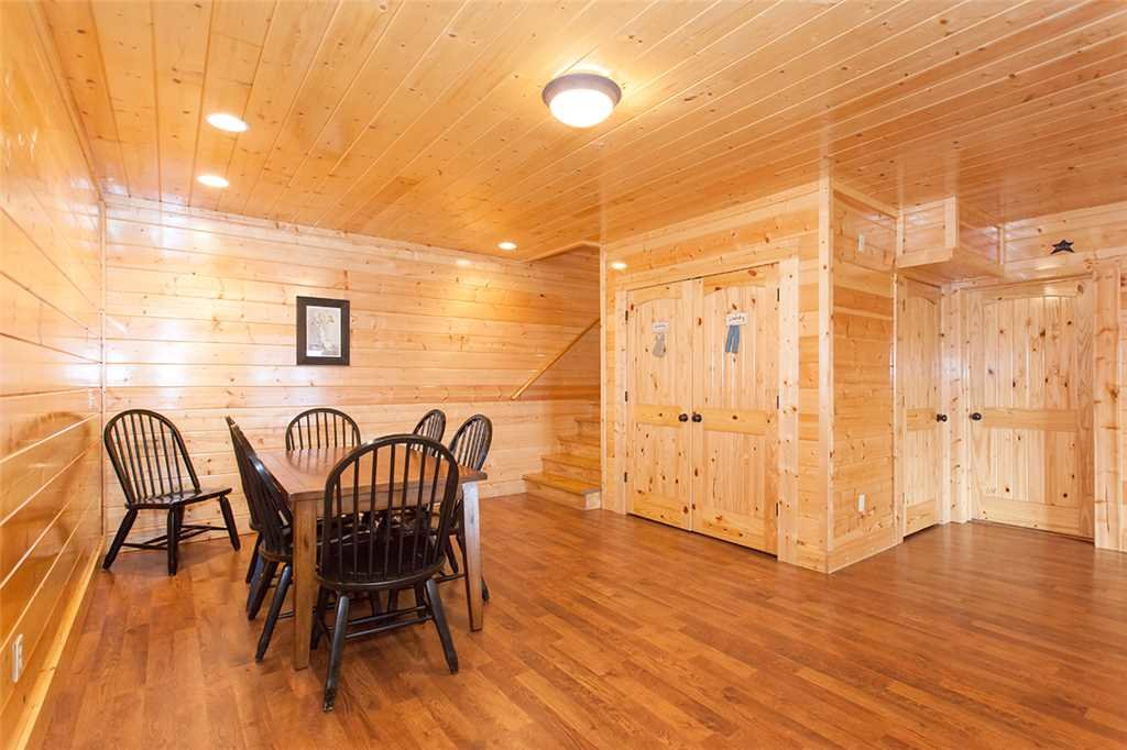 Photo of a Sevierville Cabin named Morning View Manor - This is the ninety-second photo in the set.