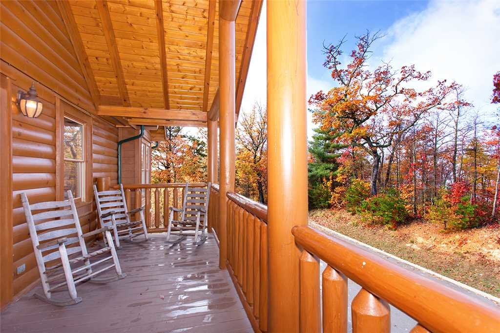 Photo of a Sevierville Cabin named Morning View Manor - This is the one hundred and eighth photo in the set.