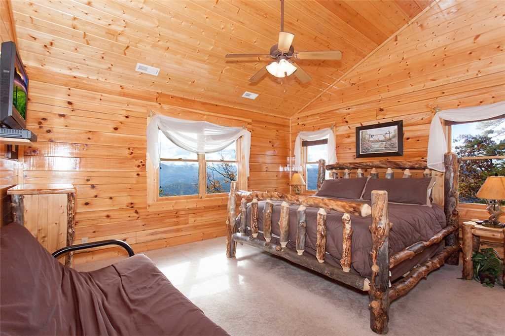 Photo of a Sevierville Cabin named Morning View Manor - This is the seventy-fifth photo in the set.