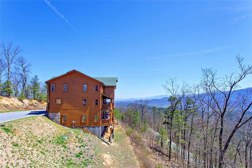 Photo of a Sevierville Cabin named Morning View Manor - This is the one hundred and twenty-third photo in the set.