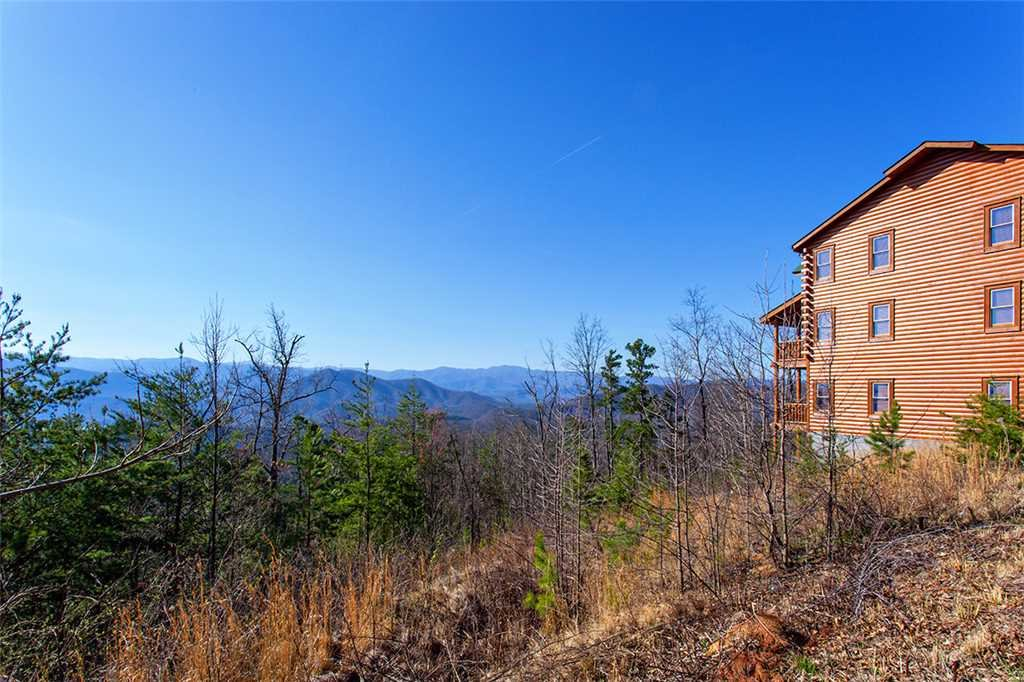 Photo of a Sevierville Cabin named Morning View Manor - This is the one hundred and thirty-third photo in the set.