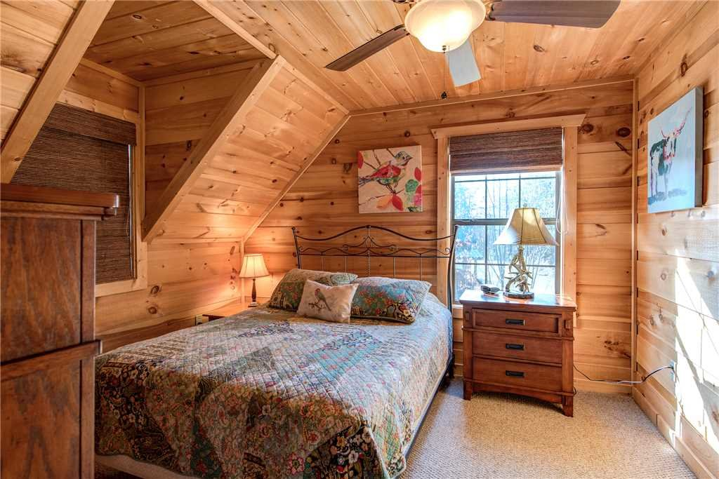 Photo of a Sevierville Cabin named Bear Pause - This is the twenty-first photo in the set.