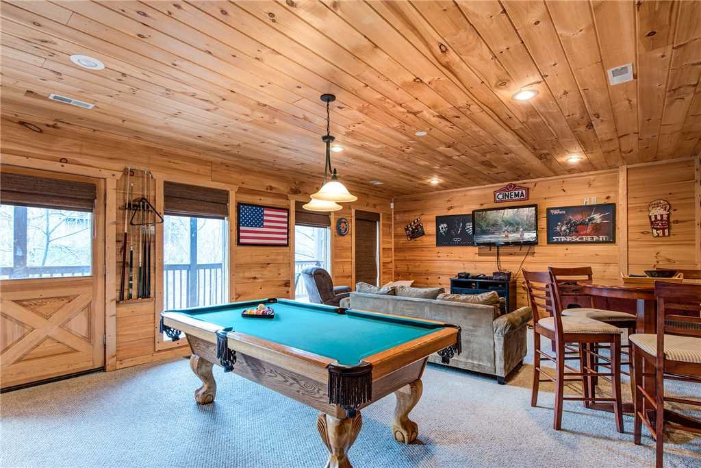 Photo of a Sevierville Cabin named Bear Pause - This is the eighth photo in the set.