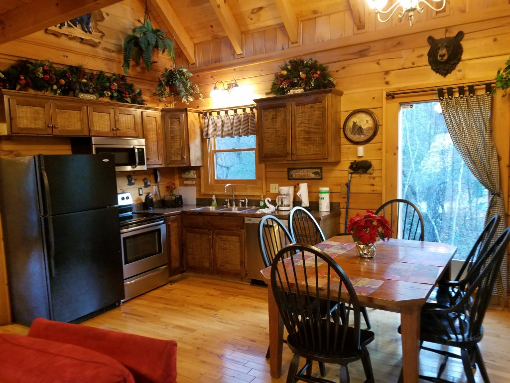 Photo of a Gatlinburg Cabin named Beary Secluded #296 - This is the seventh photo in the set.