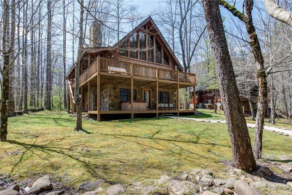 Photo of a Gatlinburg Cabin named Amazing River Retreat - This is the fourth photo in the set.