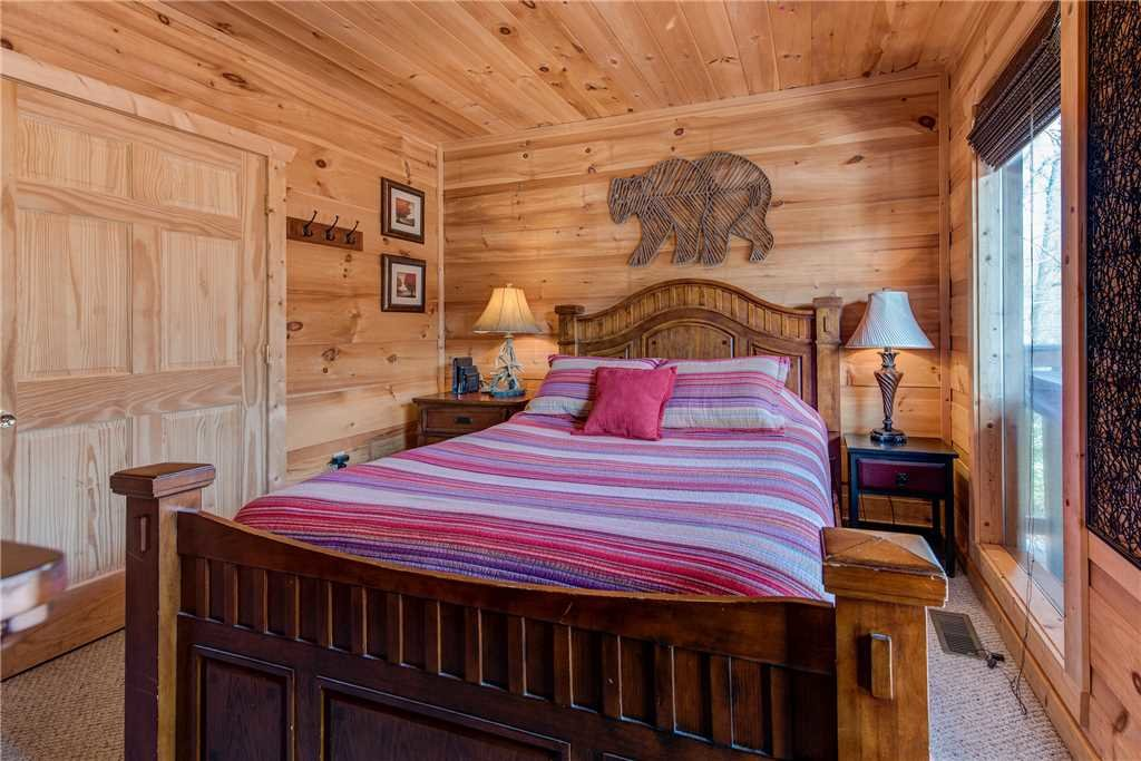 Photo of a Sevierville Cabin named Bear Pause - This is the fifteenth photo in the set.