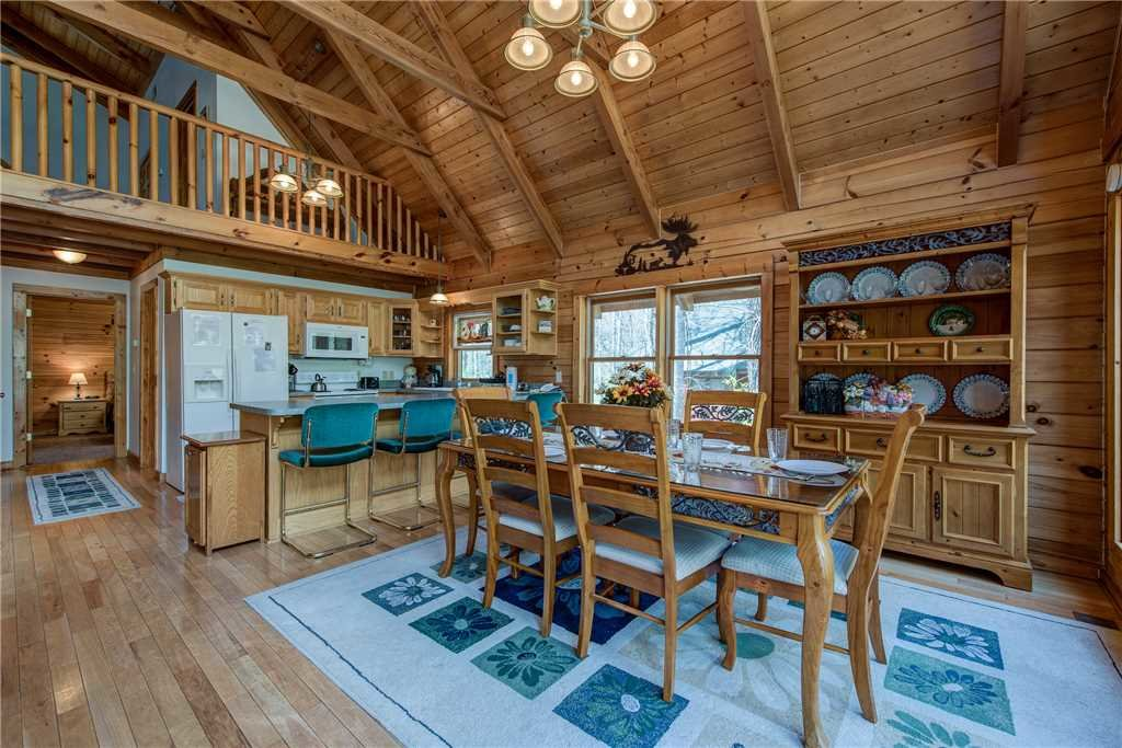 Photo of a Gatlinburg Cabin named Amazing River Retreat - This is the sixth photo in the set.