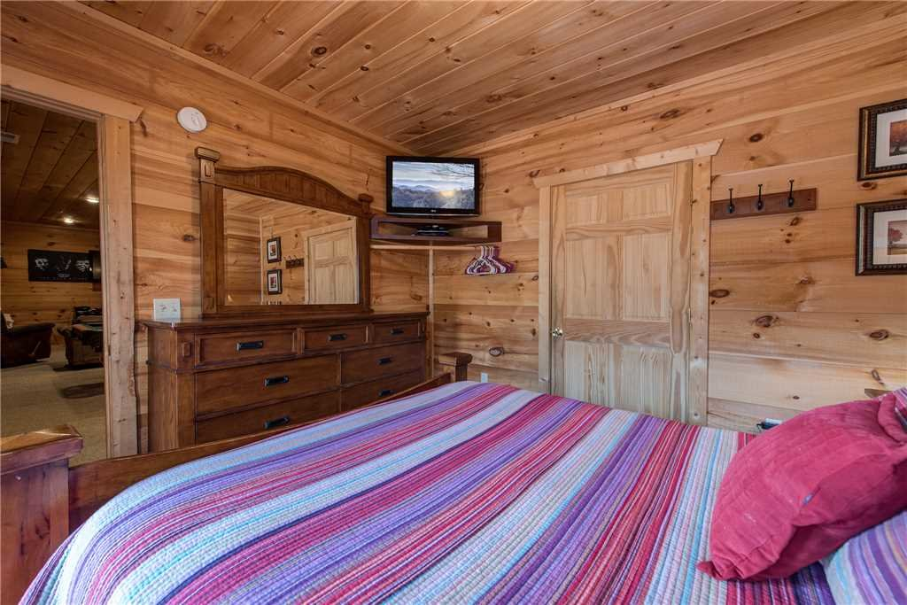 Photo of a Sevierville Cabin named Bear Pause - This is the sixteenth photo in the set.