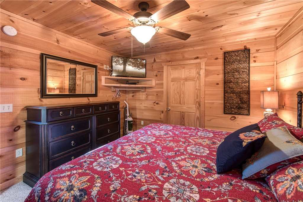 Photo of a Sevierville Cabin named Bear Pause - This is the thirteenth photo in the set.