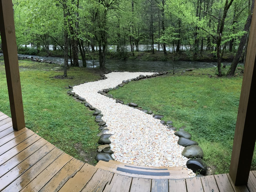 Photo of a Gatlinburg Cabin named Amazing River Retreat - This is the thirteenth photo in the set.