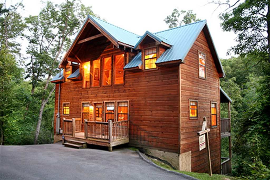 Photo of a Sevierville Cabin named Bear Pause - This is the twenty-fourth photo in the set.