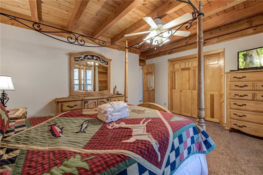 Photo of a Gatlinburg Cabin named Amazing River Retreat - This is the eighteenth photo in the set.