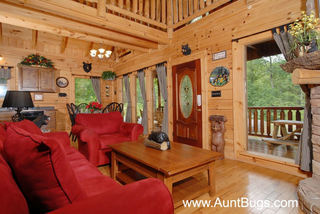 Photo of a Gatlinburg Cabin named Beary Secluded #296 - This is the twenty-ninth photo in the set.