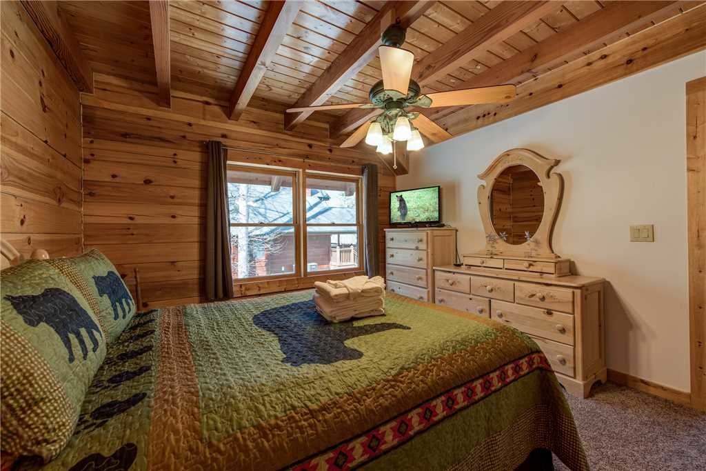 Photo of a Gatlinburg Cabin named Amazing River Retreat - This is the twenty-first photo in the set.