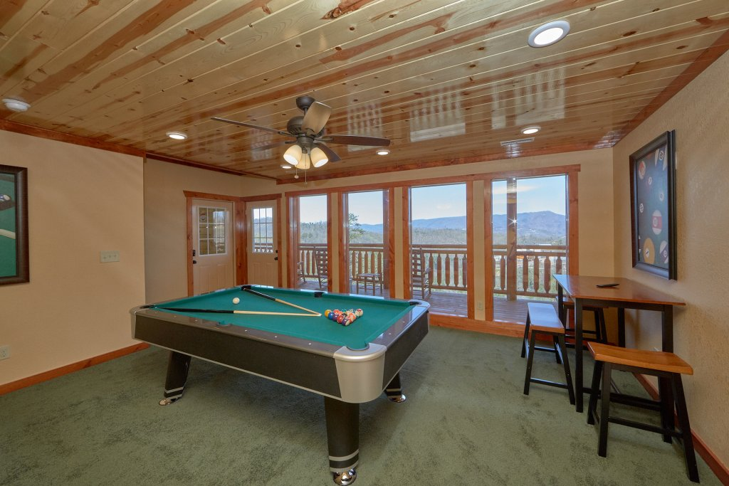 Photo of a Pigeon Forge Cabin named Summit Pool Lodge - This is the eighth photo in the set.