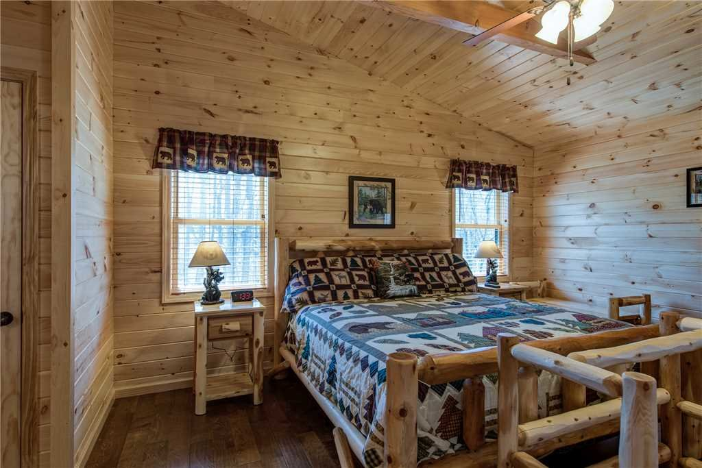 Photo of a Gatlinburg Cabin named Marlene's Key To Heaven - This is the thirteenth photo in the set.