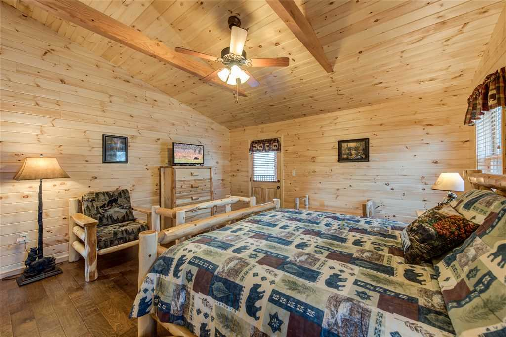 Photo of a Gatlinburg Cabin named Marlene's Key To Heaven - This is the ninth photo in the set.