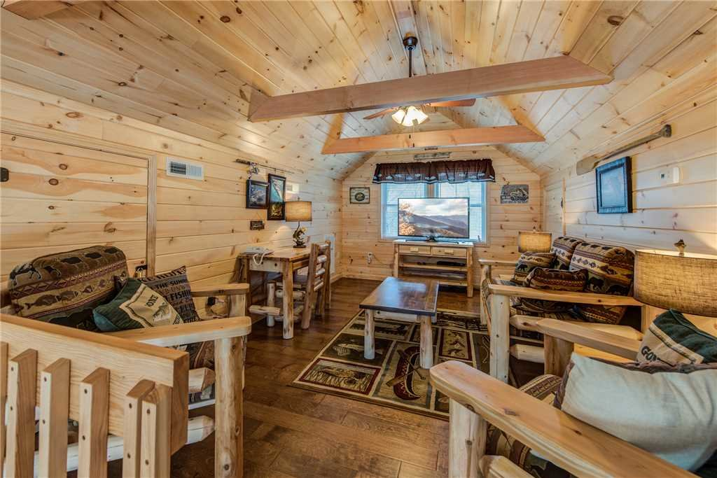 Photo of a Gatlinburg Cabin named Marlene's Key To Heaven - This is the seventeenth photo in the set.