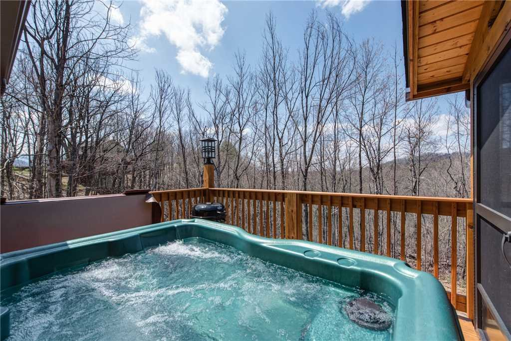 Photo of a Gatlinburg Cabin named Marlene's Key To Heaven - This is the second photo in the set.
