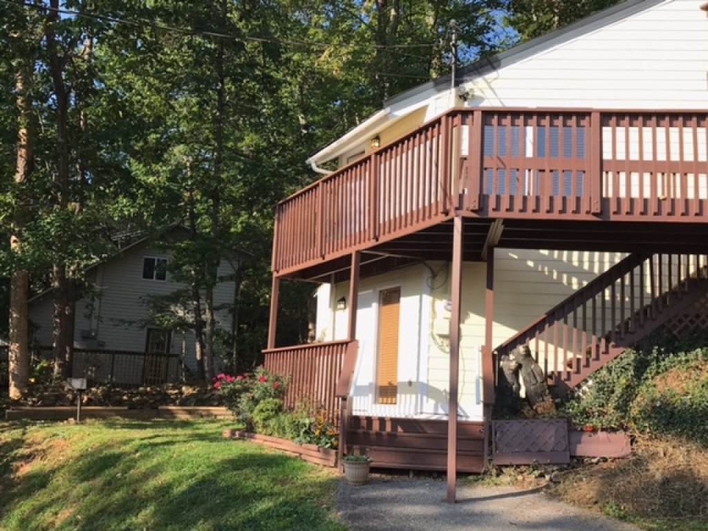 Photo of a Gatlinburg Cabin named Mount Beautiful - This is the first photo in the set.