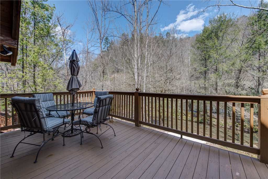 Photo of a Gatlinburg Cabin named Amazing River Retreat - This is the twenty-third photo in the set.