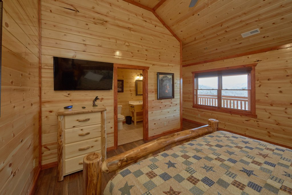 Photo of a Pigeon Forge Cabin named Summit Pool Lodge - This is the fifteenth photo in the set.