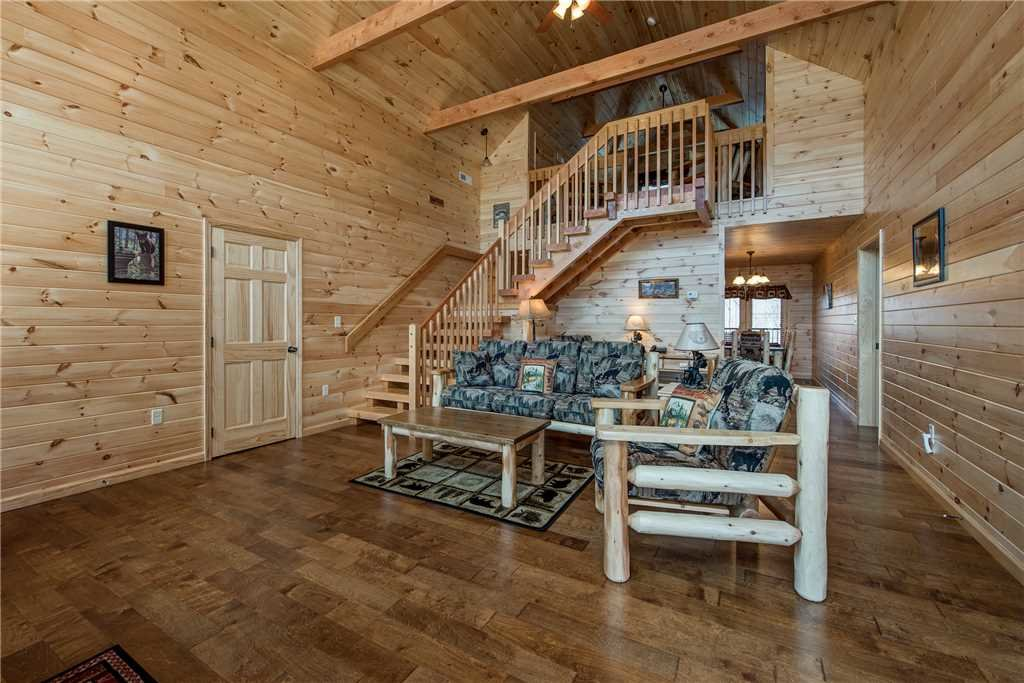 Photo of a Gatlinburg Cabin named Marlene's Key To Heaven - This is the third photo in the set.