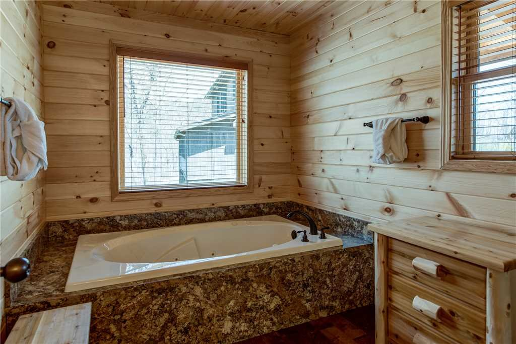 Photo of a Gatlinburg Cabin named Marlene's Key To Heaven - This is the eleventh photo in the set.