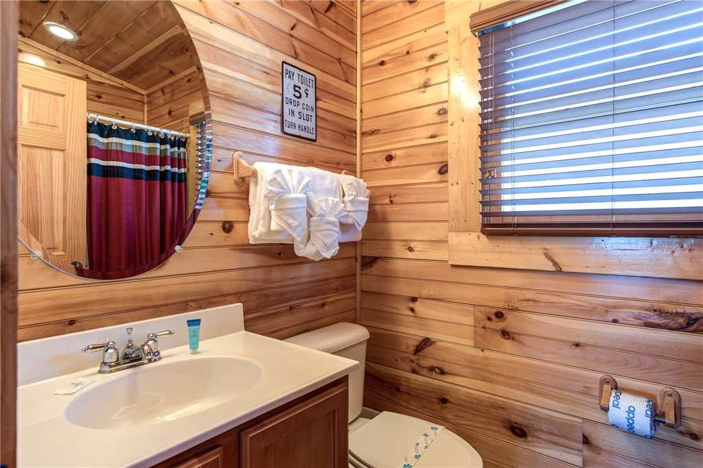 Photo of a Gatlinburg Cabin named Day Dreamer - This is the thirteenth photo in the set.