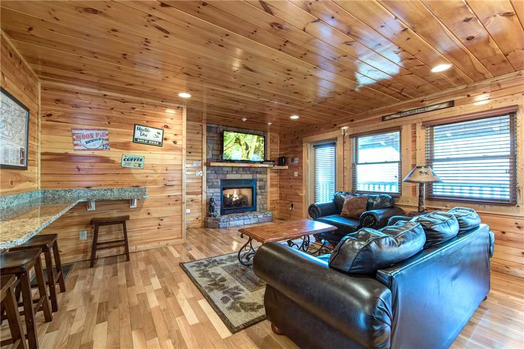 Photo of a Gatlinburg Cabin named Day Dreamer - This is the first photo in the set.
