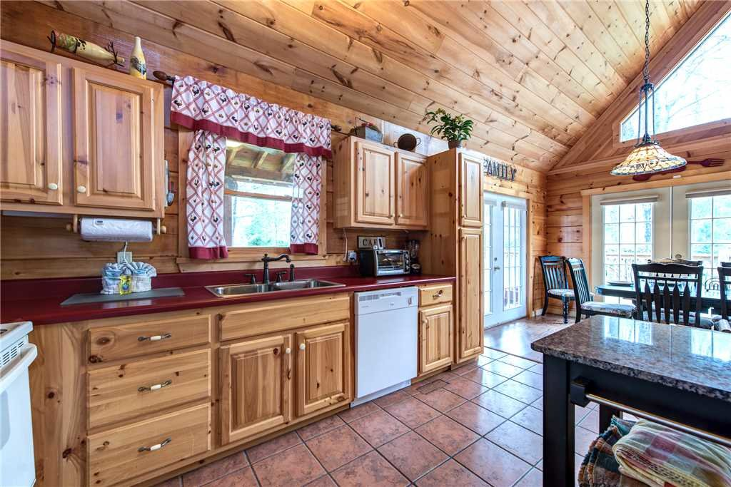 Photo of a Pigeon Forge Cabin named Lazy Cub Lodge - This is the seventh photo in the set.