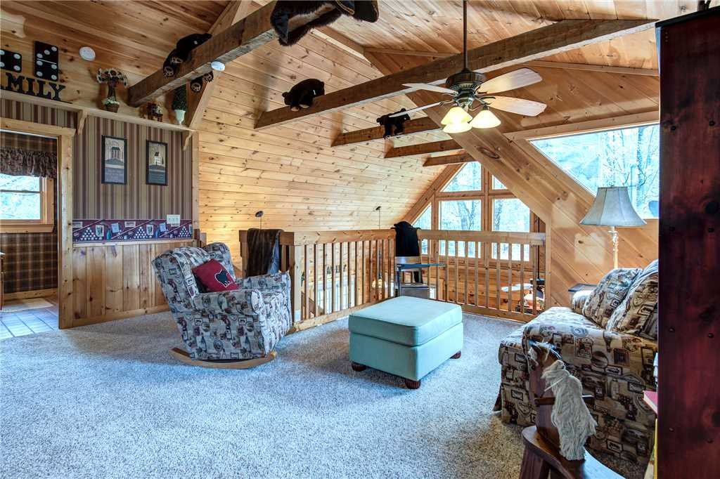 Photo of a Pigeon Forge Cabin named Lazy Cub Lodge - This is the twelfth photo in the set.