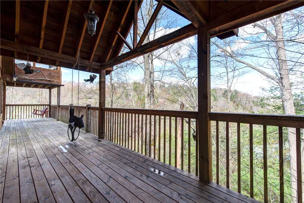 Photo of a Pigeon Forge Cabin named Lazy Cub Lodge - This is the twenty-seventh photo in the set.