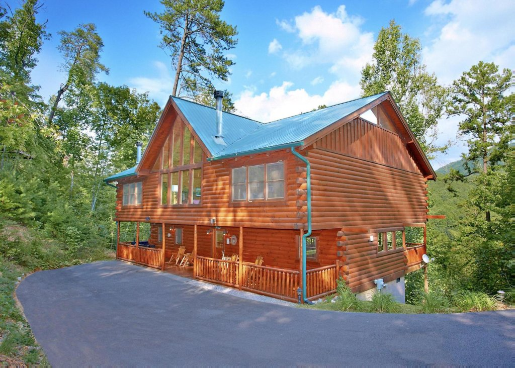 Photo of a Pigeon Forge Cabin named Southern Elegance #70 - This is the second photo in the set.