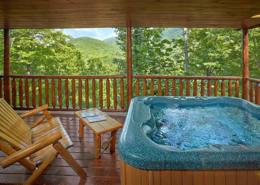 Photo of a Pigeon Forge Cabin named Southern Elegance #70 - This is the twenty-second photo in the set.
