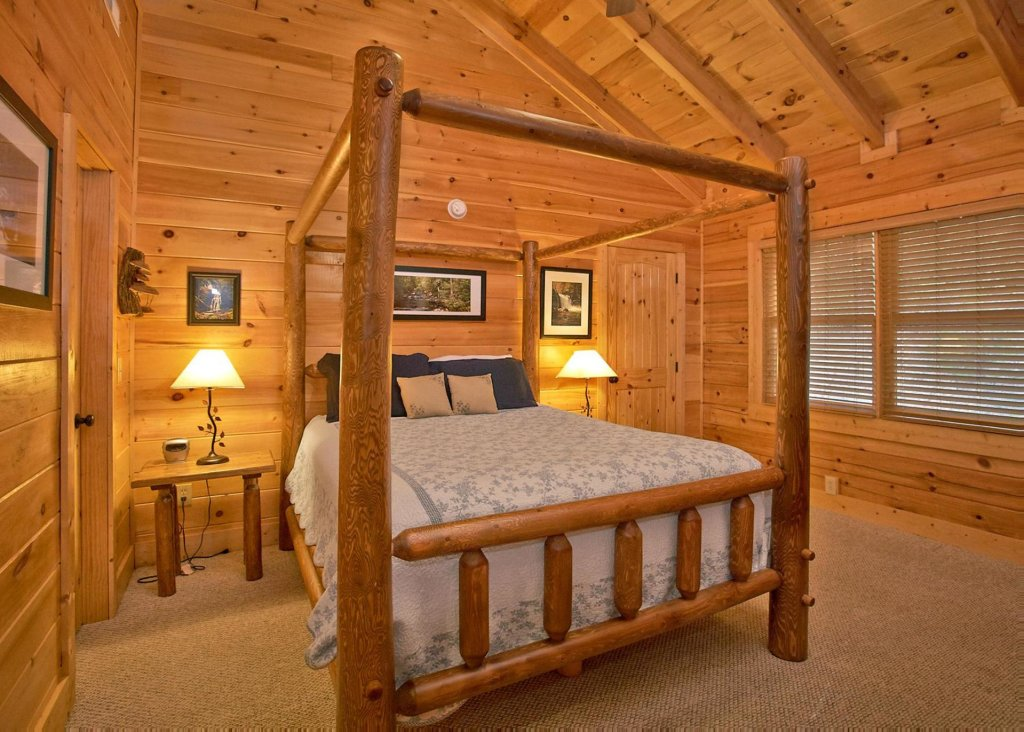Photo of a Pigeon Forge Cabin named Southern Elegance #70 - This is the seventeenth photo in the set.