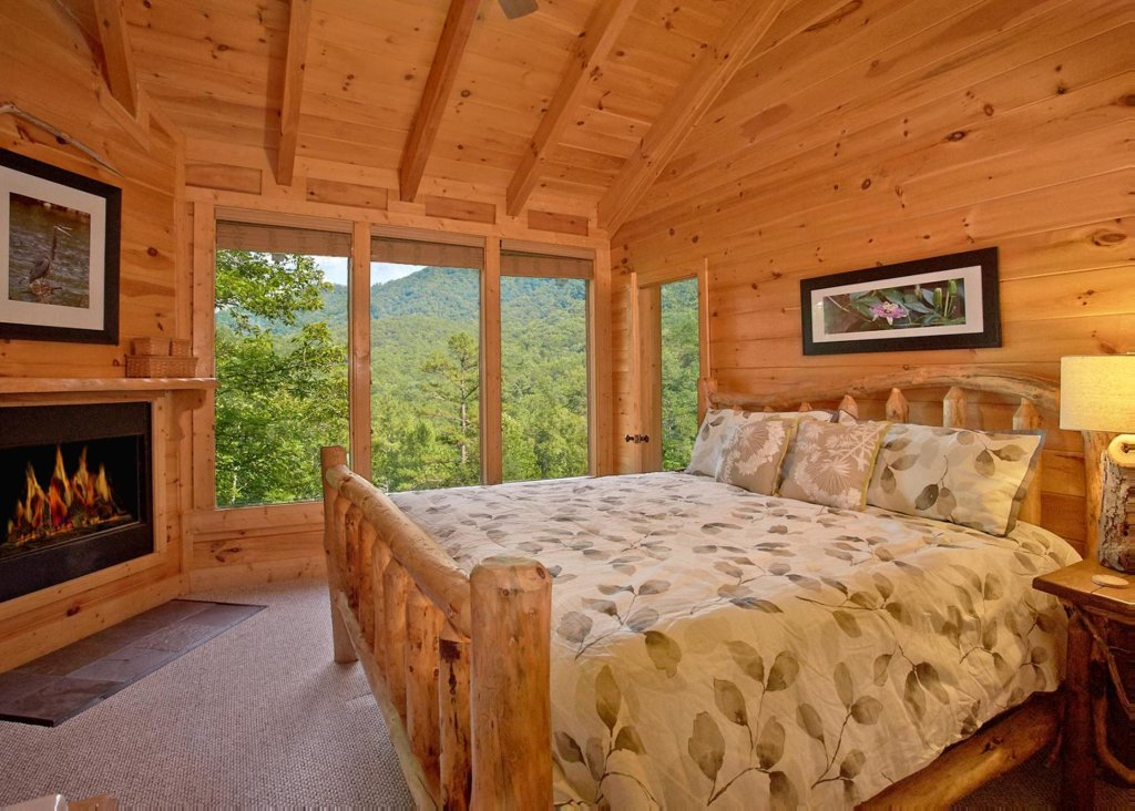 Photo of a Pigeon Forge Cabin named Southern Elegance #70 - This is the nineteenth photo in the set.