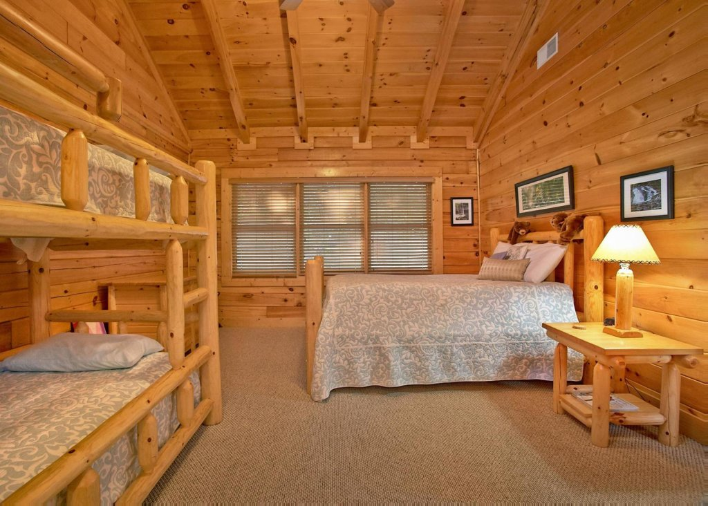 Photo of a Pigeon Forge Cabin named Southern Elegance #70 - This is the twentieth photo in the set.