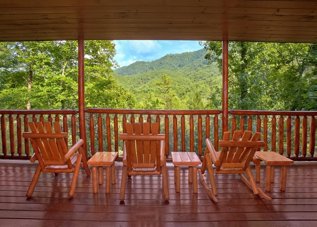 Photo of a Pigeon Forge Cabin named Southern Elegance #70 - This is the twenty-third photo in the set.