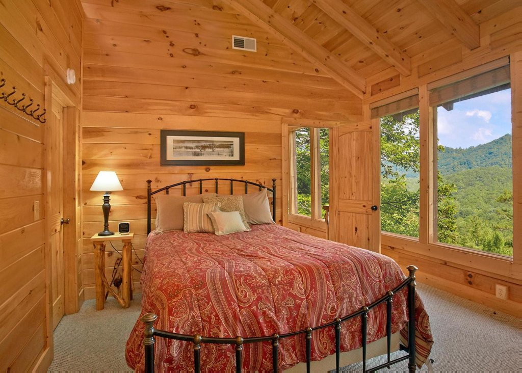 Photo of a Pigeon Forge Cabin named Southern Elegance #70 - This is the tenth photo in the set.