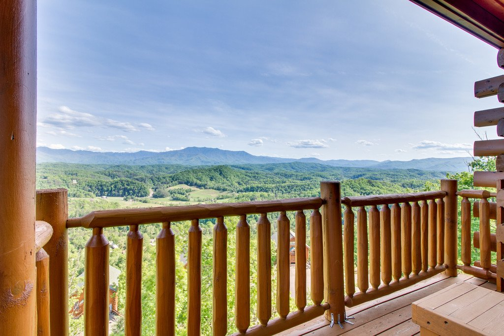 Photo of a Pigeon Forge Cabin named Soaring High - This is the twenty-second photo in the set.