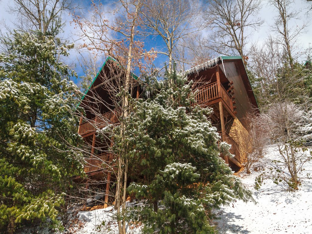 Photo of a Gatlinburg Cabin named Smoky Bear Lodge - This is the second photo in the set.