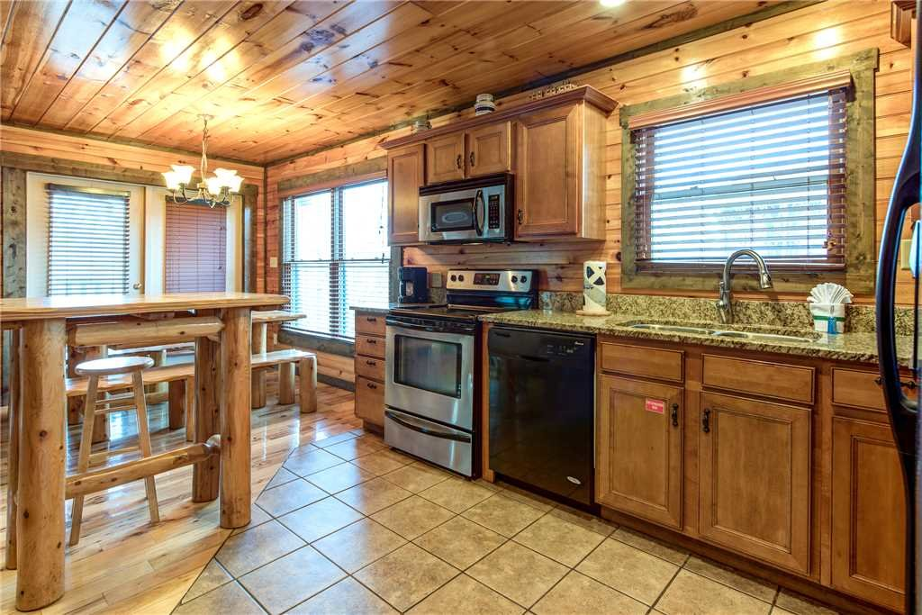 Photo of a Gatlinburg Cabin named Celebration Lodge - This is the eighth photo in the set.