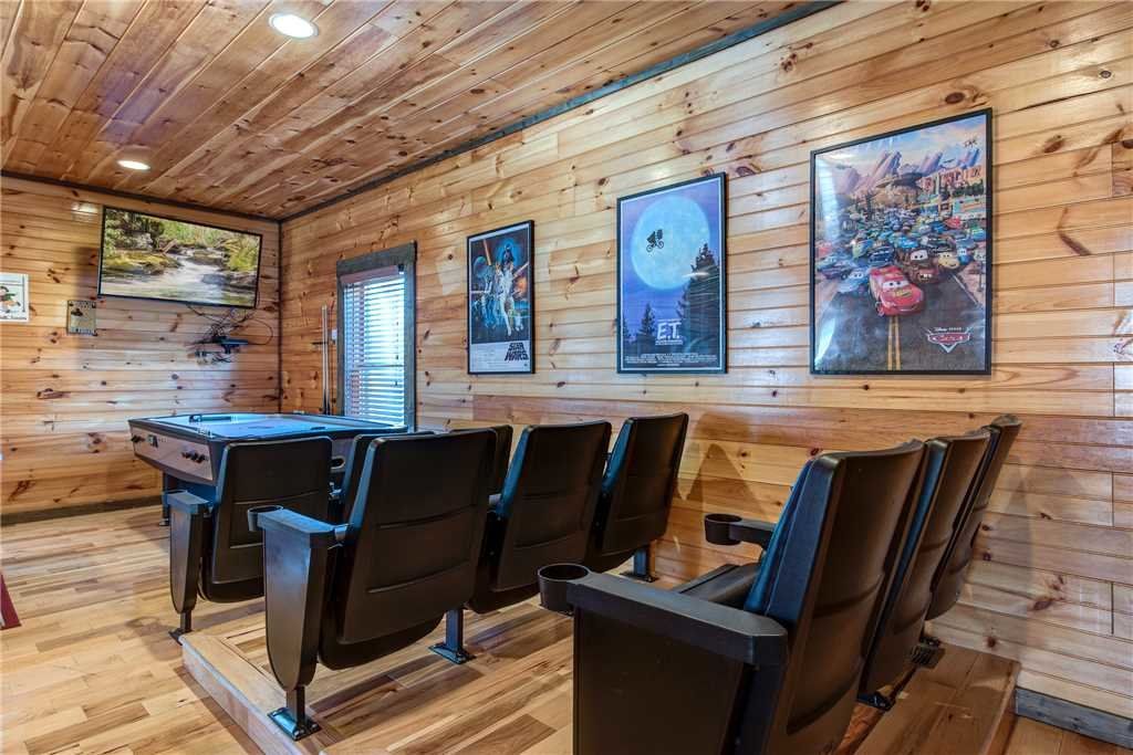 Photo of a Gatlinburg Cabin named Celebration Lodge - This is the twelfth photo in the set.