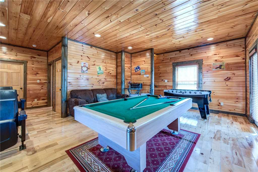 Photo of a Gatlinburg Cabin named Celebration Lodge - This is the tenth photo in the set.