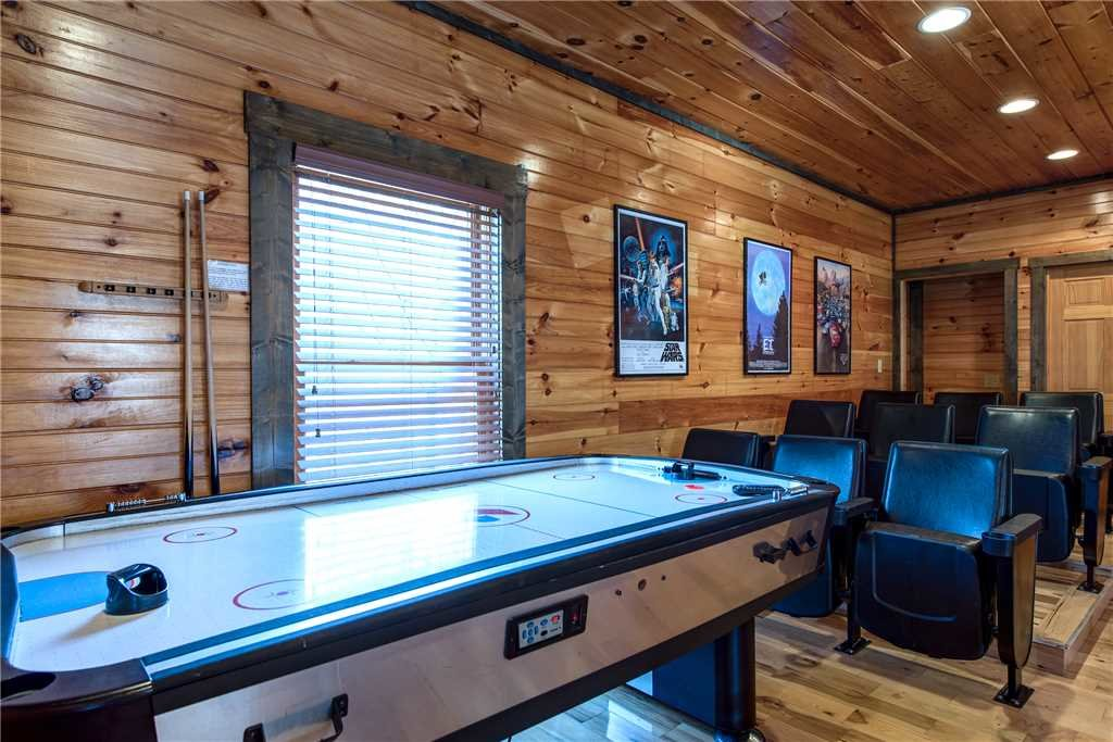 Photo of a Gatlinburg Cabin named Celebration Lodge - This is the eleventh photo in the set.