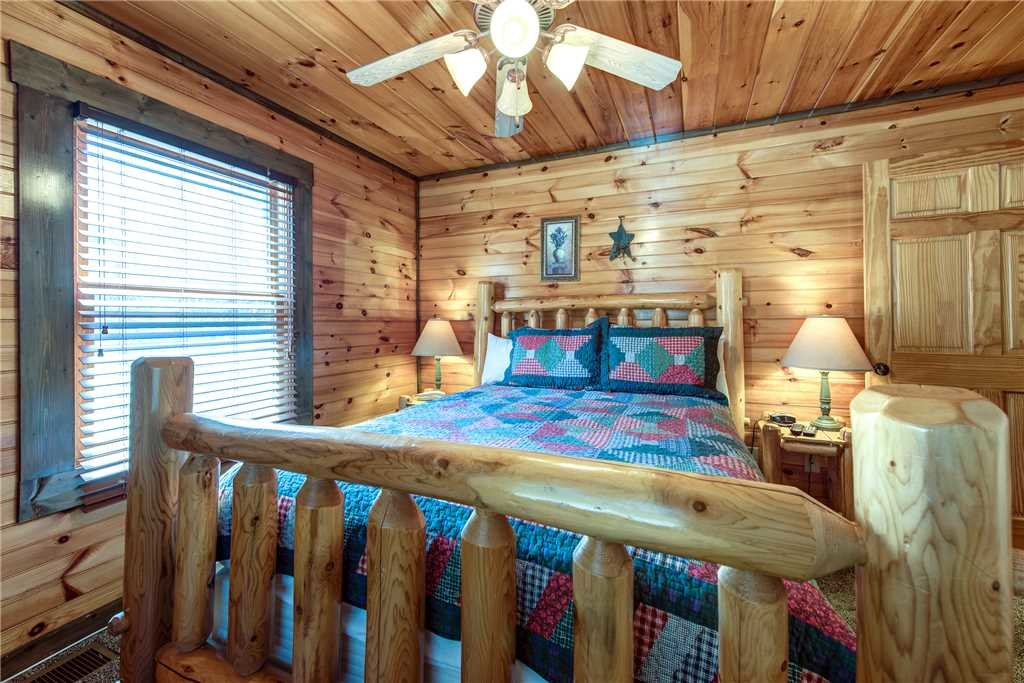 Photo of a Gatlinburg Cabin named Celebration Lodge - This is the thirteenth photo in the set.