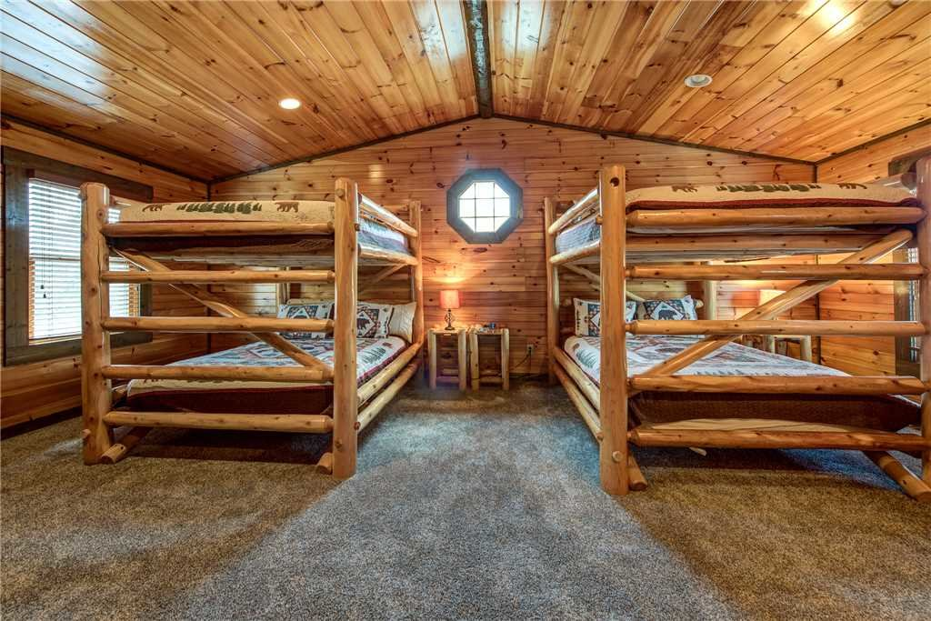 Photo of a Gatlinburg Cabin named Celebration Lodge - This is the nineteenth photo in the set.